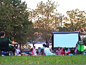 bronx free summer movies bronx morris park van cortlandt pelham bay coop city parkchester free summer movies things to do melrose mott haven fordham norwood belmont free summer movie bronx nyc