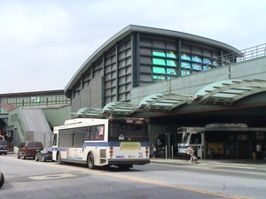 buses subways to nyc from laguardia airport buses subways laguardia airport nyc